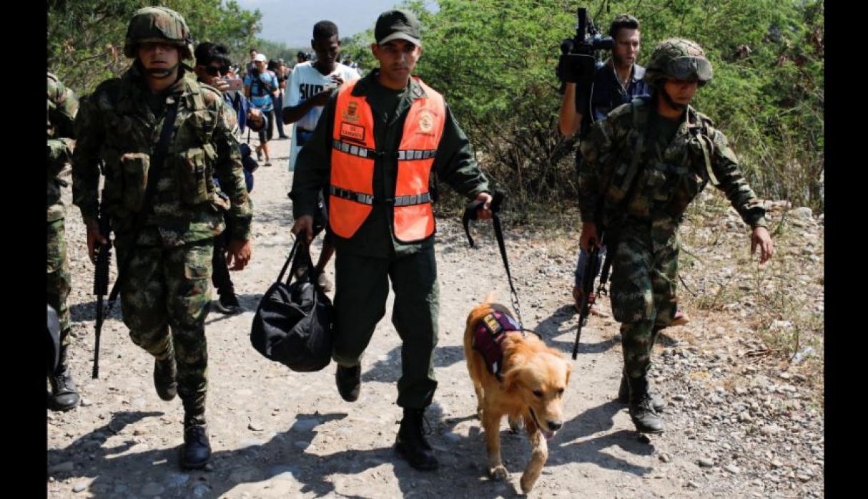 militar huye de venezuela junto a su fiel amigo perruno